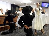 bailarines folclóricos