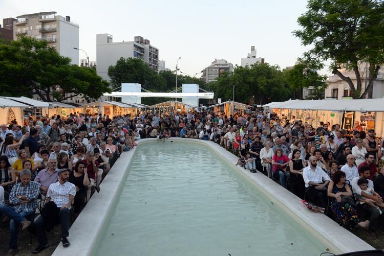 Público en la Feria Ideas+